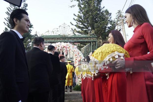 Clip độc quyền: Dàn phù dâu chuyển giới xinh đẹp gửi lời chúc mừng đám cưới đến công chúa Lâm Khánh Chi - Ảnh 6.