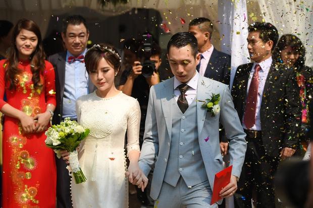 Ngắm những khoảnh khắc hạnh phúc ngọt ngào của Tú Linh và chồng trong đám cưới - Ảnh 4.