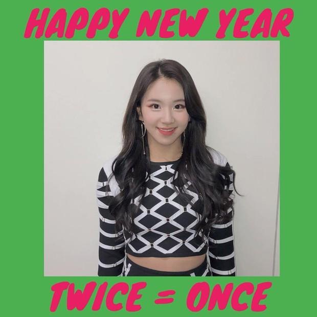 Sao Hàn mừng năm mới 2018: Vợ chồng Song Song rạng rỡ, Big Bang, Wanna One bận rộn đi diễn, Jessica sang hẳn Trung Quốc - Ảnh 37.