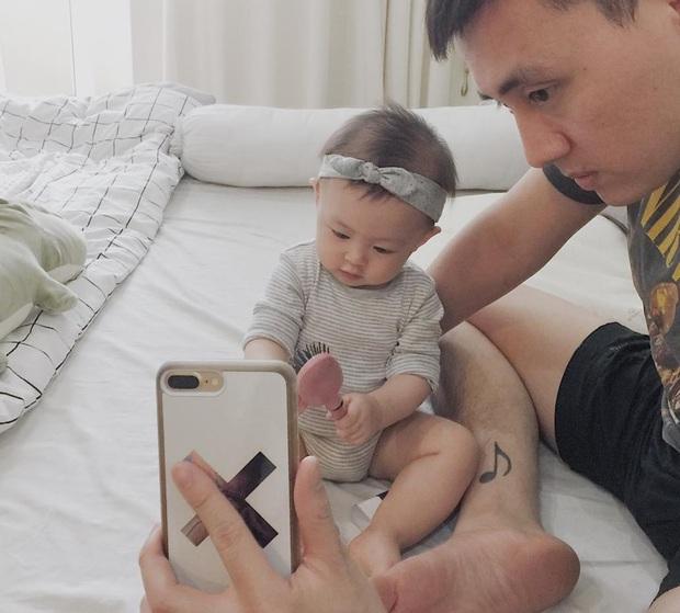 Ai cũng muốn có con gái như Heo Mi nhon: Thấy mẹ kêu đau bụng khóc òa lên nhưng rồi mải chơi lại... quên mất - Ảnh 6.