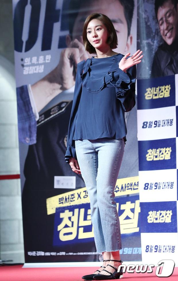 Sự kiện tề tựu binh đoàn trai xinh gái đẹp hot nhất xứ Hàn: Nhan sắc kém nổi bỗng lên hương - Ảnh 7.