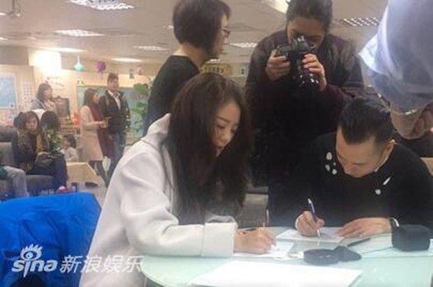 An Dĩ Hiên dẫn theo dàn hảo tỷ muội đi đăng ký kết hôn, tiết lộ màn cầu hôn siêu lãng mạn - Ảnh 4.