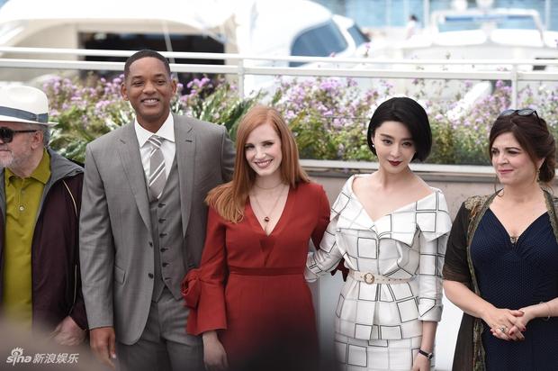 LHP Cannes 2017: Phạm Băng Băng sang chảnh và trẻ trung, đánh bại dàn mỹ nhân Hollywood - Ảnh 4.