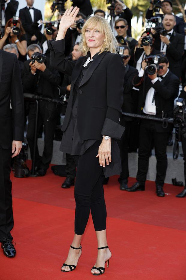 Nữ diễn viên vô danh diện váy hở bạo trở thành bà hoàng thảm đỏ tại Cannes - Ảnh 9.