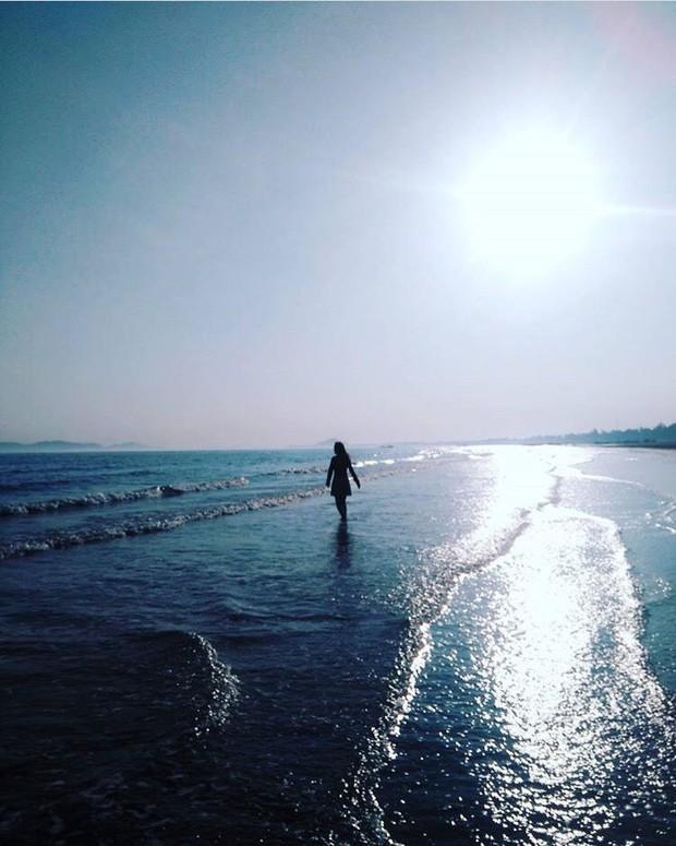5 bãi biển ngay gần Hà Nội để 99er đi xả hơi nhanh gọn sau kỳ thi - Ảnh 4.