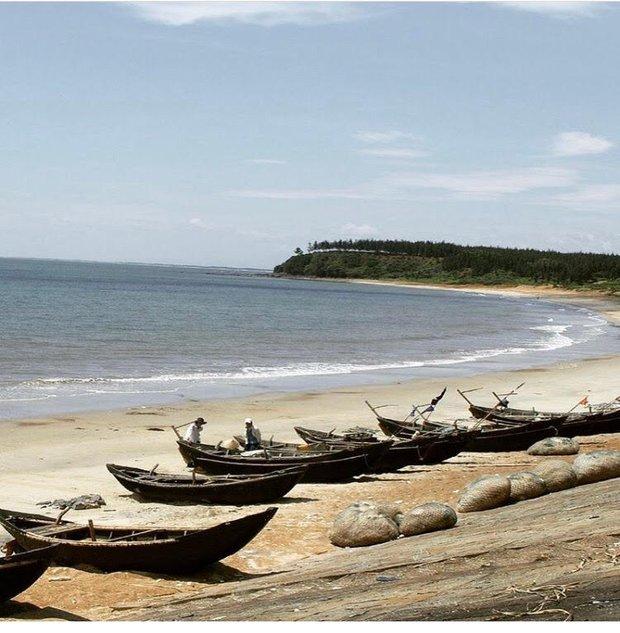 5 bãi biển ngay gần Hà Nội để 99er đi xả hơi nhanh gọn sau kỳ thi - Ảnh 9.