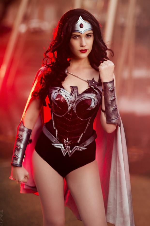 Ngắm dung nhan 14 cô gái cosplay Wonder Woman xinh lung linh như trong phim - Ảnh 15.