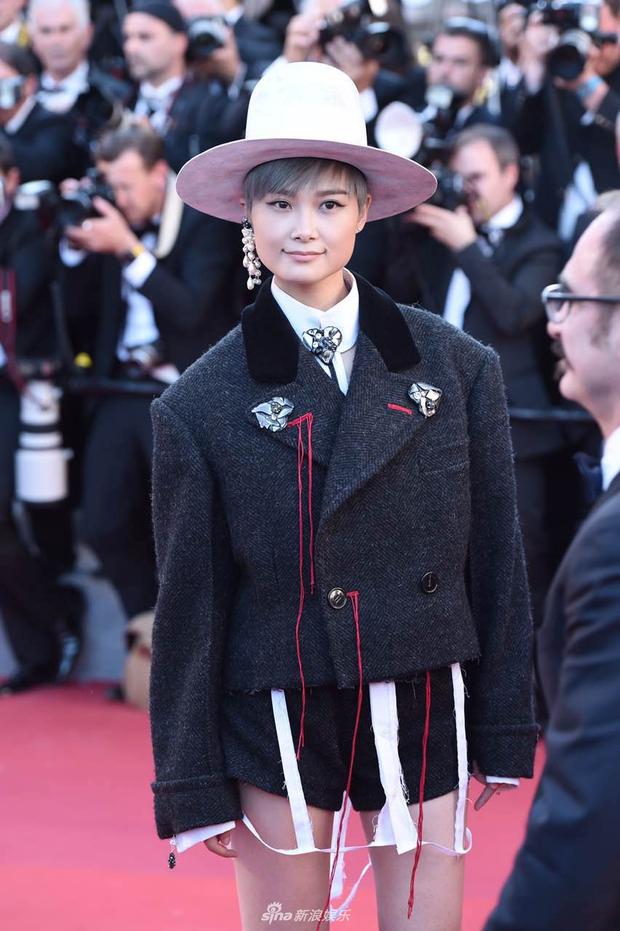 Thảm đỏ LHP Cannes: Phạm Băng Băng lộng lẫy như nữ hoàng, quyết cân dàn mỹ nhân quốc tế - Ảnh 12.