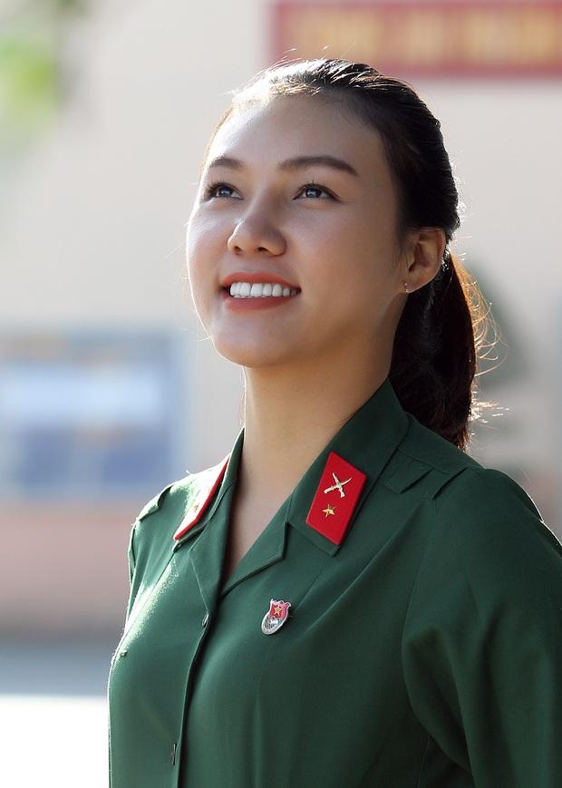 Cô gái xinh đẹp cao 1m70, từng đi thi Hoa hậu Việt Nam tình nguyện nhập ngũ - Ảnh 4.