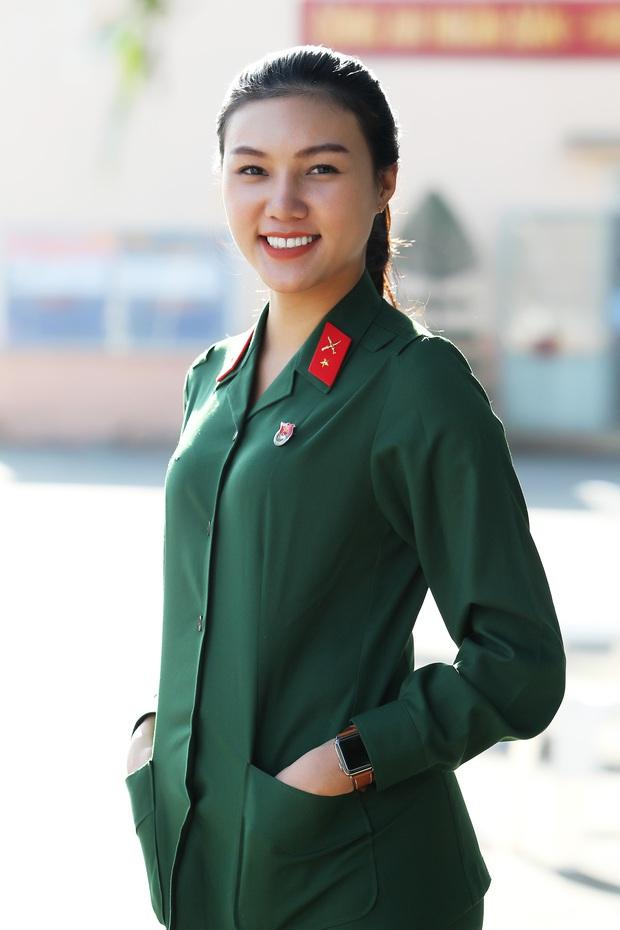 Cô gái xinh đẹp cao 1m70, từng đi thi Hoa hậu Việt Nam tình nguyện nhập ngũ - Ảnh 5.