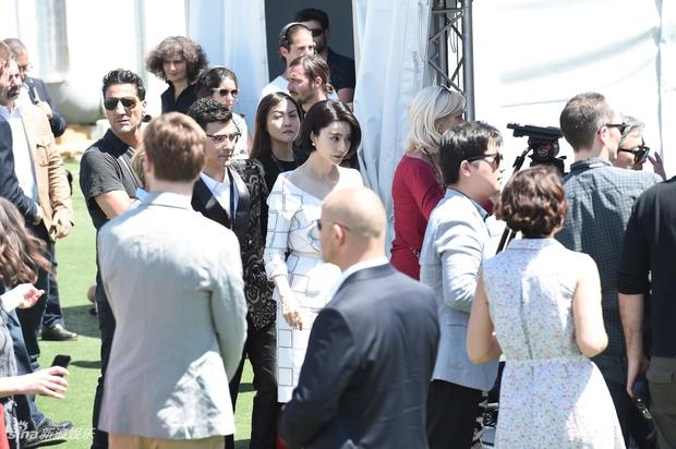 LHP Cannes 2017: Phạm Băng Băng sang chảnh và trẻ trung, đánh bại dàn mỹ nhân Hollywood - Ảnh 6.
