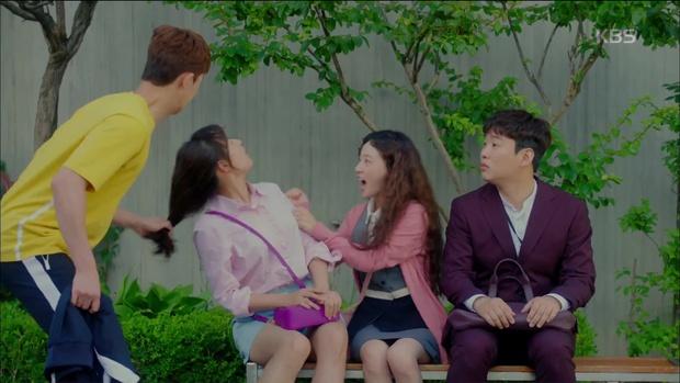 Ghen quá hóa rồ, Park Seo Joon trúng ảo giác, giật tóc crush Kim Ji Won - Ảnh 7.
