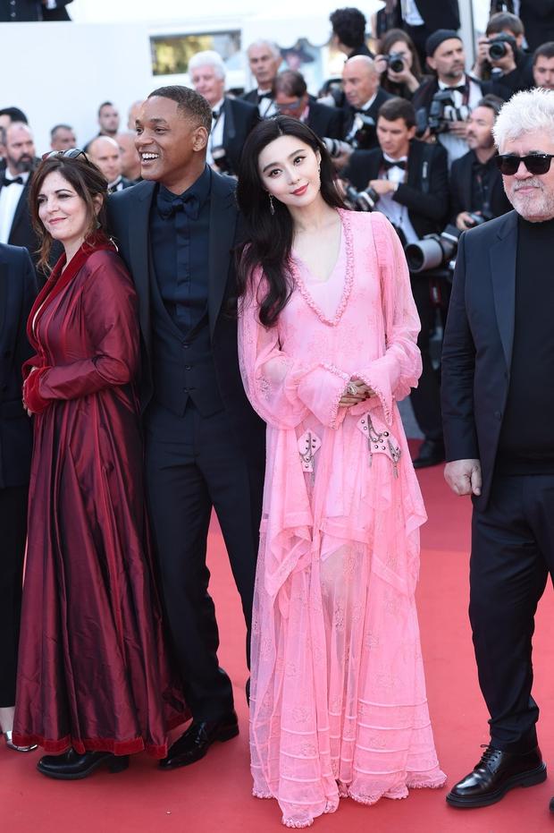 Phạm Băng Băng gây thất vọng, bị Elle Fanning dìm hàng toàn tập tại Cannes! - Ảnh 3.