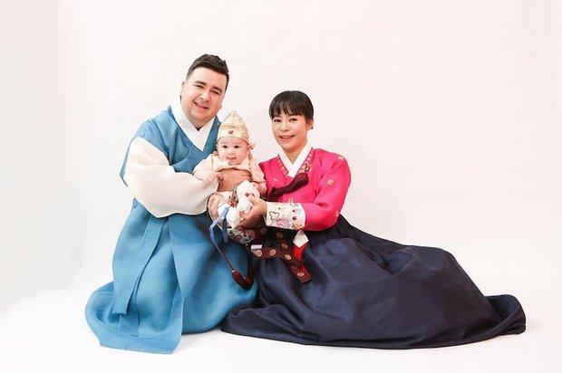 Truyền hình Hàn Quốc xuất hiện thiên thần lai đáng yêu ai nhìn cũng muốn cưng nựng! - Ảnh 1.