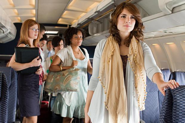 Lên kế hoạch bỏ hết ghế, cho hành khách đứng trên máy bay, hãng hàng không bị chỉ trích dữ dội - Ảnh 1.