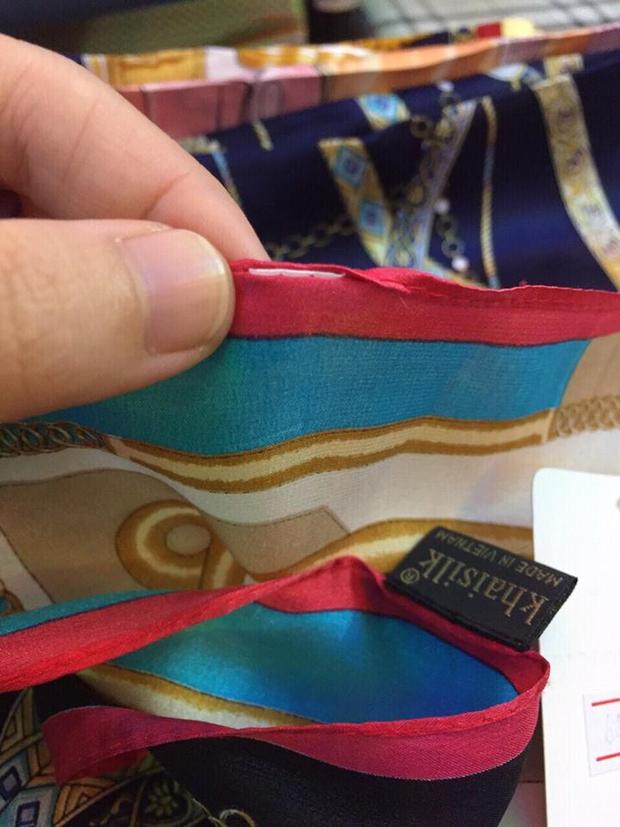 Kiểm tra cửa hàng Khaisilk: Tạm thu giữ hơn 50 sản phẩm, tổng giá trị hơn 30 triệu đồng - Ảnh 2.