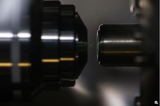 Dùng tia laser dịch chuyển đồ vật trong không khí, con người nay đã dần có khả năng của tương lai - Ảnh 1.