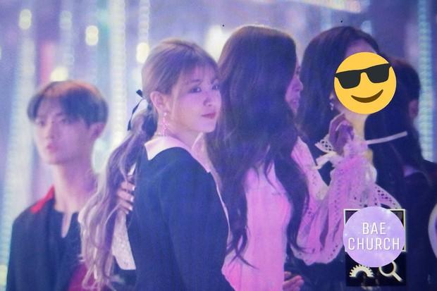 Fan phát cuồng trước khung cảnh thần tiên tại Gayo Daejun: 2 nữ thần Black Pink và Red Velvet vừa ôm vừa nắm tay - Ảnh 13.