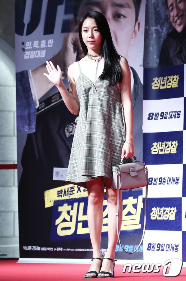 Sự kiện tề tựu binh đoàn trai xinh gái đẹp hot nhất xứ Hàn: Nhan sắc kém nổi bỗng lên hương - Ảnh 8.