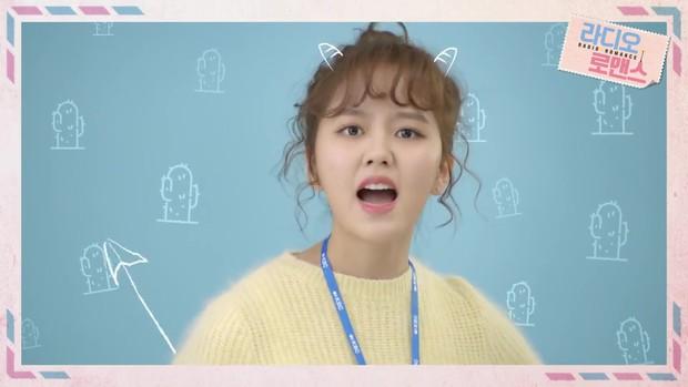 Kim So Hyun thiên nga hóa vịt, gia nhập câu lạc bộ nữ chính tóc xù - Ảnh 4.