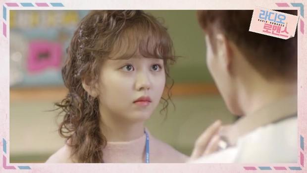 Kim So Hyun thiên nga hóa vịt, gia nhập câu lạc bộ nữ chính tóc xù - Ảnh 5.