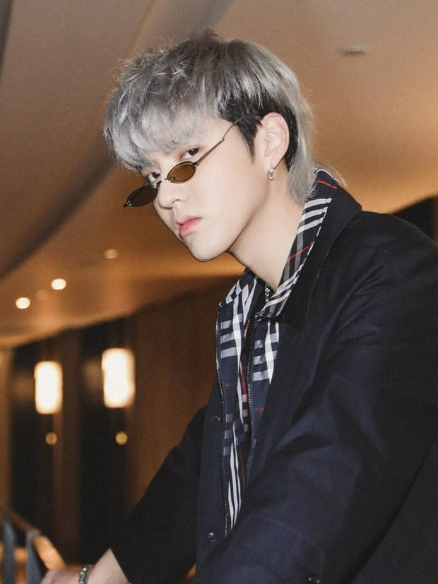 Phong cách ngày càng giống G-Dragon, Ngô Diệc Phàm đang cố tình bắt chước người đàn anh? - Ảnh 1.