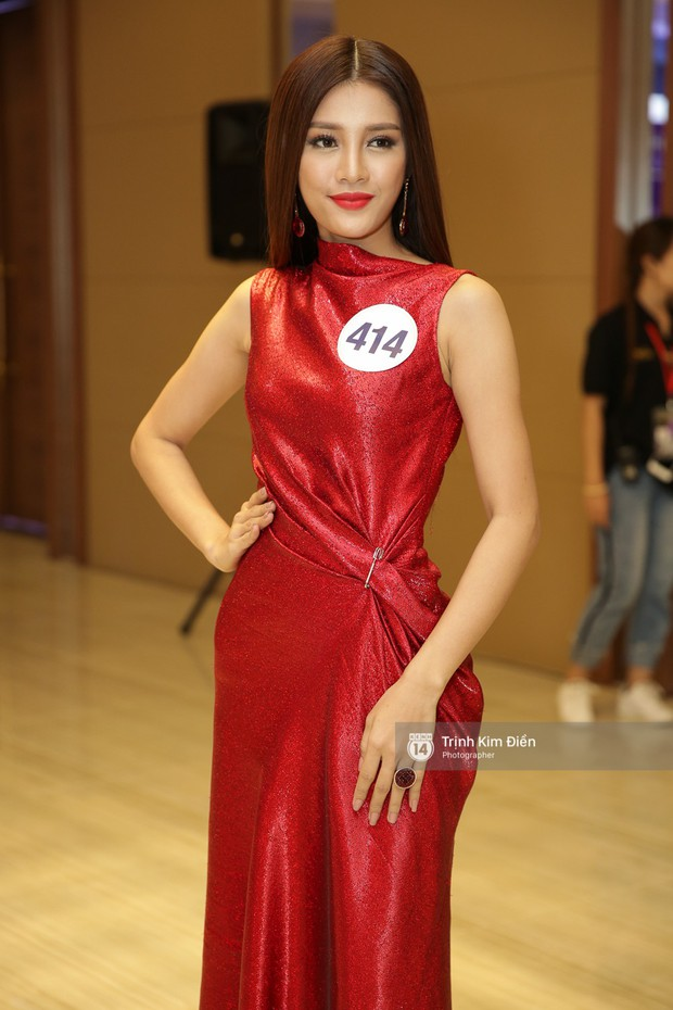 42 thí sinh Hoa hậu Hoàn vũ VN xuất hiện rạng rỡ tại họp báo, BTC công bố vương miện dành riêng cho Á hậu - Ảnh 12.