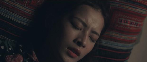 Không chỉ là cầu nối tâm linh trên phim, Chi Pu còn đưa luôn nữ thần mới Chae Yeon về Việt Nam - Ảnh 3.