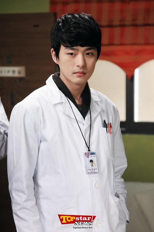 Sự nghiệp diễn xuất ngắn ngủi của em trai Ha Ji Won: Vì một bê bối mà ngưng đóng phim hai năm - Ảnh 4.