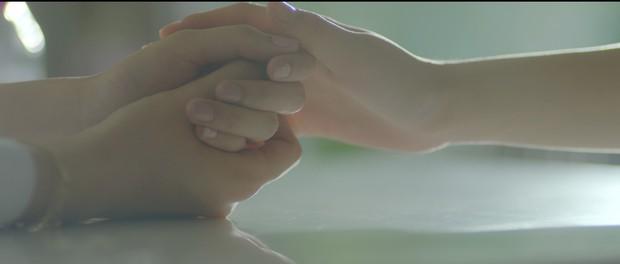 Không chỉ là cầu nối tâm linh trên phim, Chi Pu còn đưa luôn nữ thần mới Chae Yeon về Việt Nam - Ảnh 4.