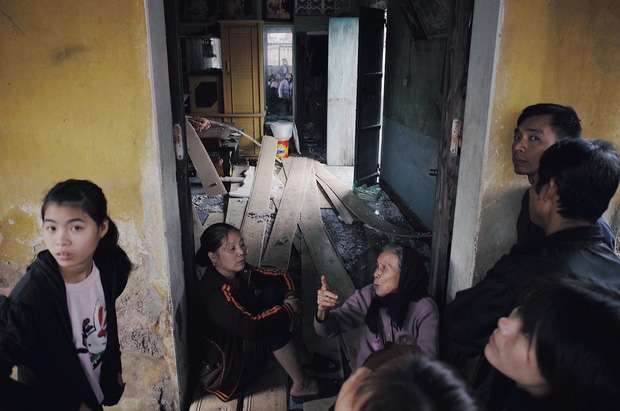 Chùm ảnh một ngày sau vụ nổ kinh hoàng ở Bắc Ninh: Làng Quan Độ tan tác, người dân sống trong sợ hãi - Ảnh 9.