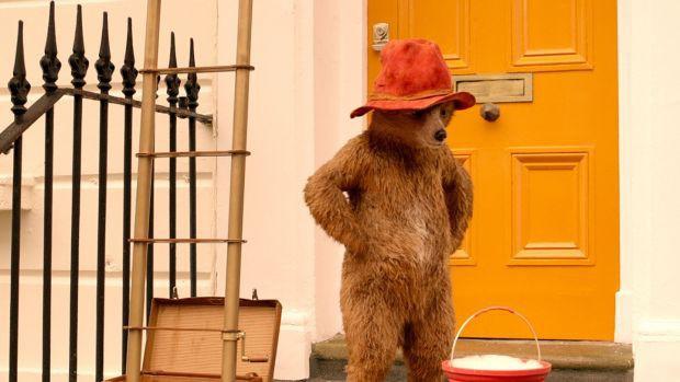 Paddington 2: Câu chuyện về chú gấu tử tế nhất thế gian - Ảnh 1.