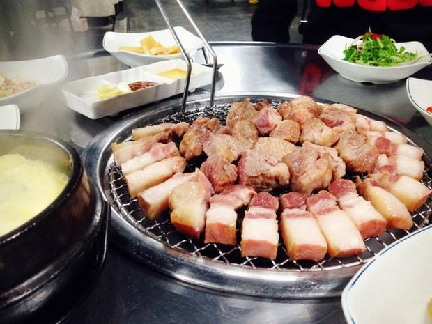 7 món ăn không thể bỏ qua khi đến với đảo Jeju xinh đẹp ở Hàn Quốc - Ảnh 1.
