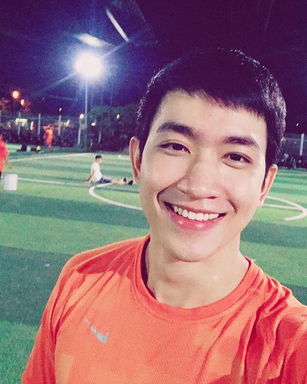 U23 có dàn cầu thủ đẹp trai như hot boy, còn đây là khi hot boy Việt mặc quần đùi áo số! - Ảnh 8.