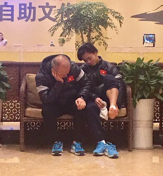 Hình ảnh cảm động của HLV Park Hang Seo với học trò giải thích vì sao U23 Việt Nam lập nên kỳ tích - Ảnh 3.
