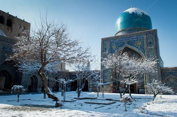 Sống qua những mùa đông âm độ, người Uzbekistan đã quen với cái lạnh khắc nghiệt, mưa tuyết rơi dày - Ảnh 3.