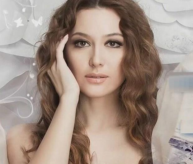 Ảnh: Phụ nữ Uzbekistan đẹp lôi cuốn đầy mê hoặc - Ảnh 9.