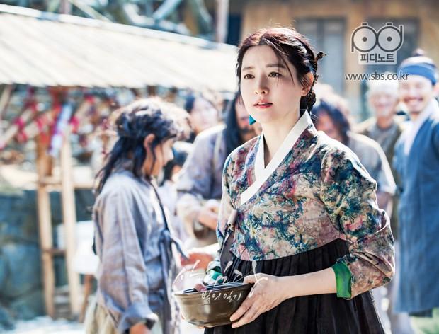Khi 4 chị đại làng phim Hàn trở lại hậu sinh con: Đâu phải cứ làm mẹ là hết thời! - Ảnh 3.