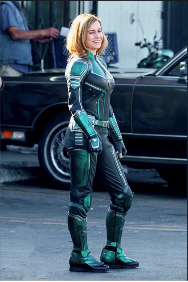 Captain Marvel làm người hâm mộ thất vọng với trang phục siêu anh hùng xấu xí - Ảnh 1.