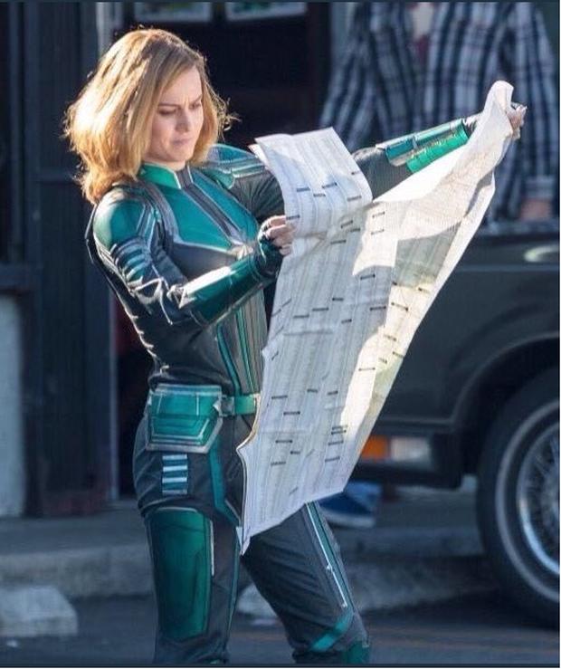 Captain Marvel làm người hâm mộ thất vọng với trang phục siêu anh hùng xấu xí - Ảnh 4.