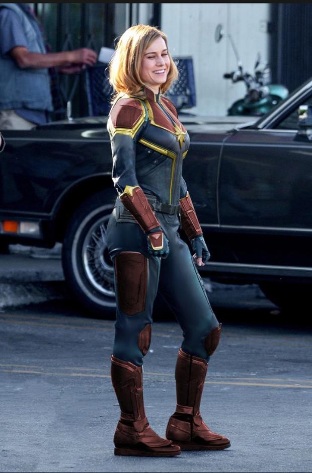 Captain Marvel làm người hâm mộ thất vọng với trang phục siêu anh hùng xấu xí - Ảnh 9.
