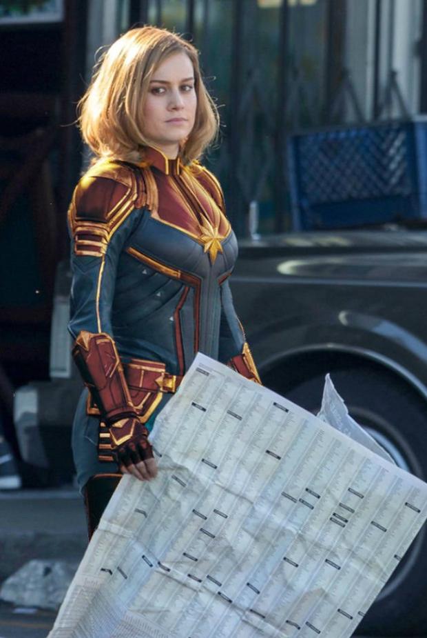Captain Marvel làm người hâm mộ thất vọng với trang phục siêu anh hùng xấu xí - Ảnh 10.