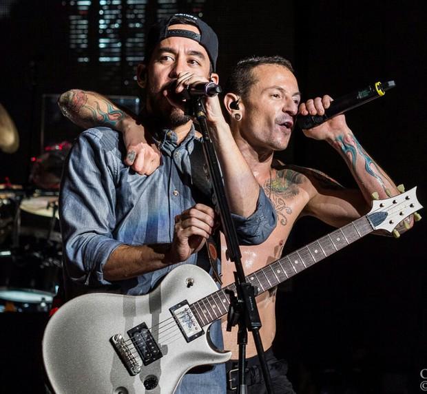 Mike Shinoda (Linkin Park) tung album tưởng nhớ Chester Bennington - Ảnh 1.