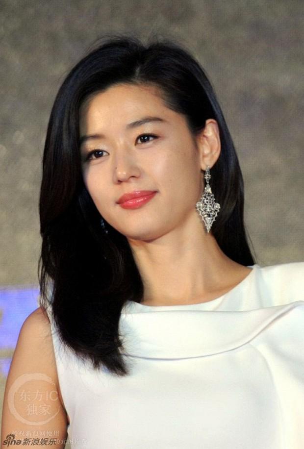 Cuối cùng mợ chảnh Jeon Ji Hyun đã hạ sinh con trai thứ 2 cho chồng doanh nhân gia thế khủng - Ảnh 1.