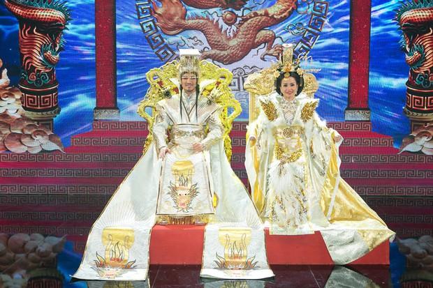 Cận cảnh long bào cực hoành tráng của Đàm Vĩnh Hưng khi đóng Ngọc Hoàng - Ảnh 4.