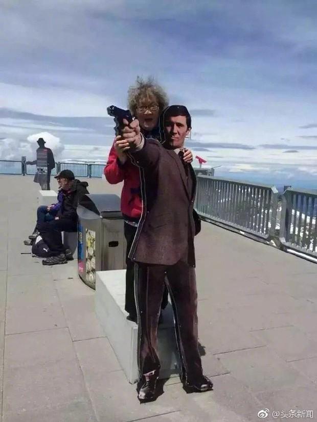 Cụ bà 88 tuổi ở Trung Quốc bán nhà lấy tiền du lịch vòng quanh thế giới - Ảnh 2.
