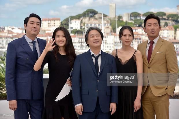 Không chỉ diễn viên và sao Kpop, Hàn Quốc giờ còn xuất khẩu cả đạo diễn - Ảnh 2.