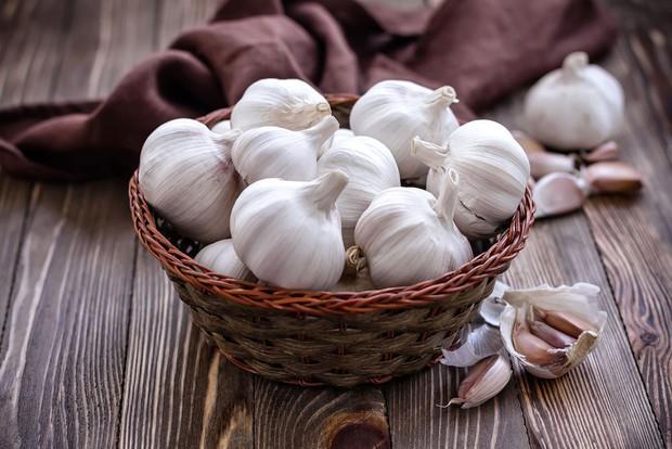 Hành lá, rau mùi, tỏi… toàn những thứ khó ăn hóa ra lại là thần dược cho sức khỏe - Ảnh 2.