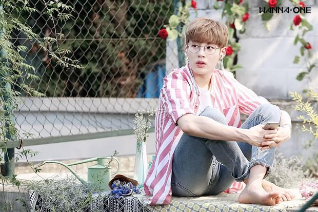Ai là thành viên chăm giả gái nhất Wanna One khi đi show thực tế? - Ảnh 1.
