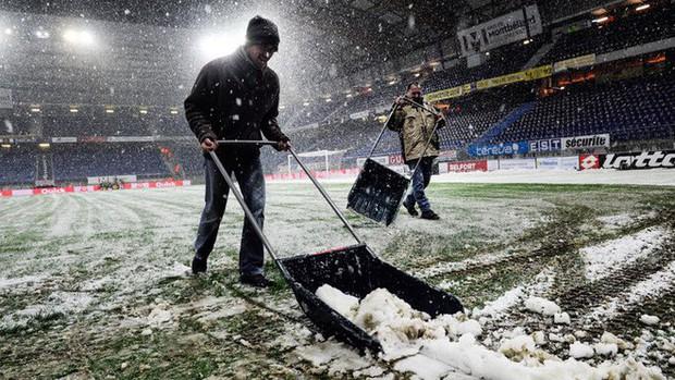 Tại sao những giải bóng đá hàng đầu ở châu Âu rất ít khi hoãn vì tuyết? - Ảnh 4.